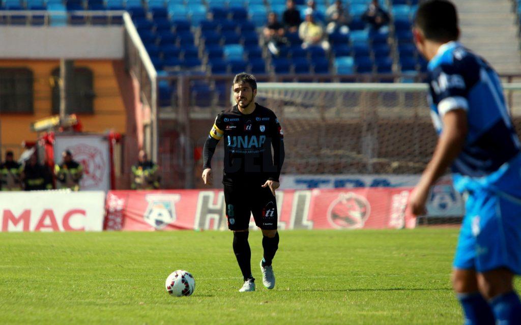 Mauricio Zenteno regresa a comandar la defensa junto a Tomás Charles.