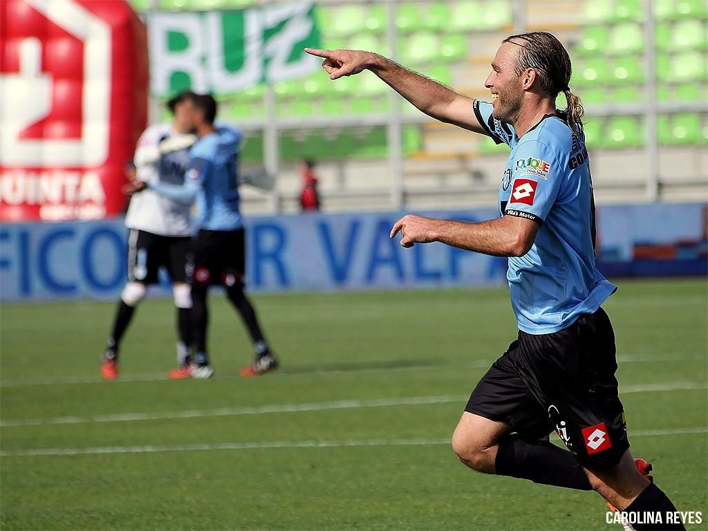 Mathías Riquero anotó los 2 goles que le dieron el primer punto a los Dragones Edición Vera 2.0 (?)