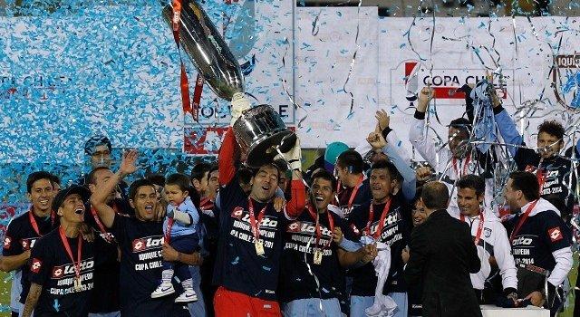 La copa se mira y se toca (Foto: AgenciaUNO)