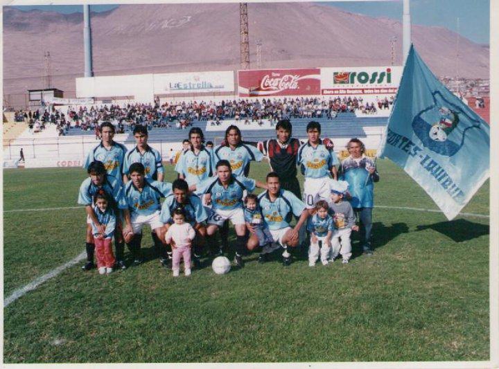 Alineación 2001,con hijos y Peyuco de invitado