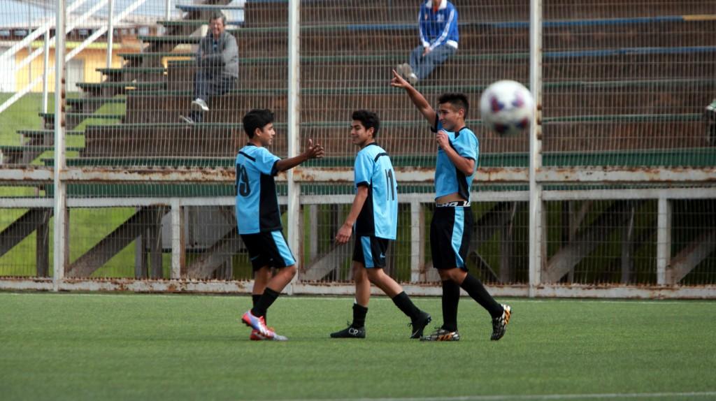 César Huanca marco dos goles para la victoria de la Sub15.
