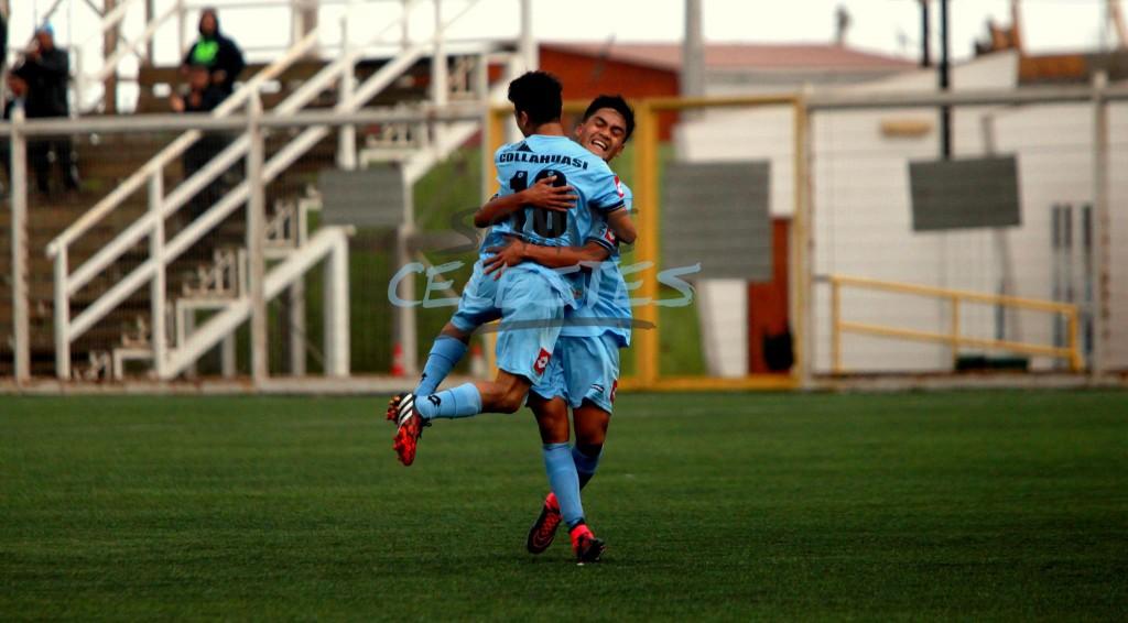Celebrando el gol con todo (Foto: Pablo Vásquez)